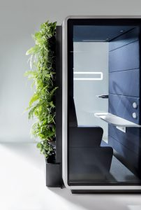 Twin greenwall vergadercabine beplanting